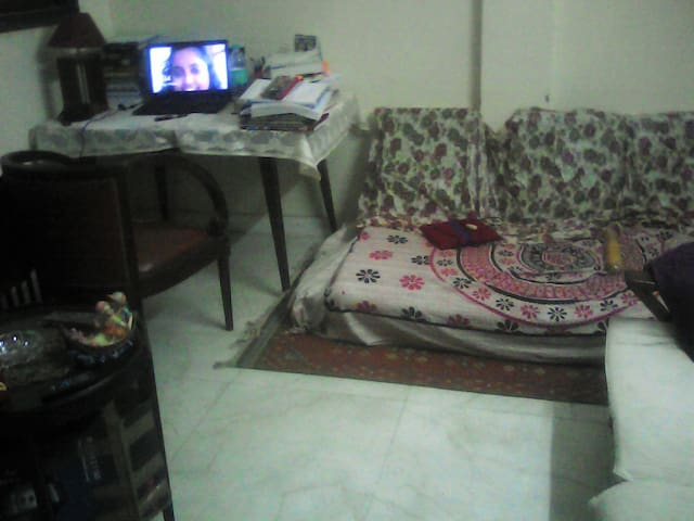 FAMILY FRIENDLY ENVIRONMENT - New Delhi - Apartment