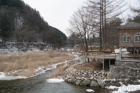 Bulgom Shelter - Bongpyeong-myeon, Pyeongchang-gun - Hut