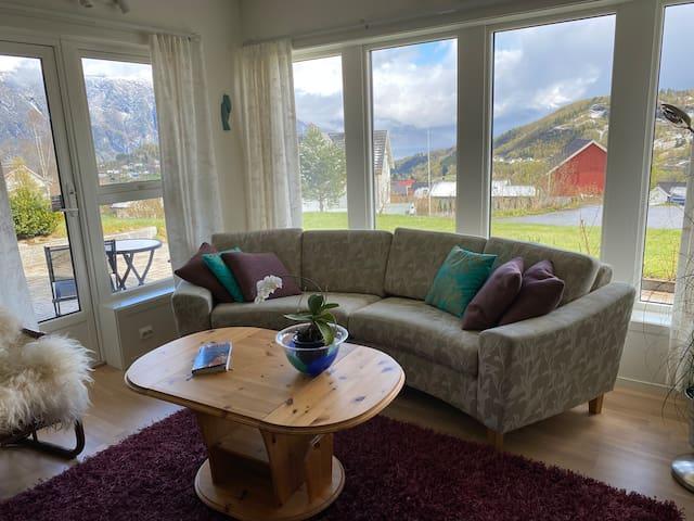 Stranda fjord og fjell