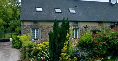 Les Ronces, La Picoterie