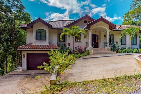 Luxury home w/ sea view, private pool, & large terrace plus beach access!
