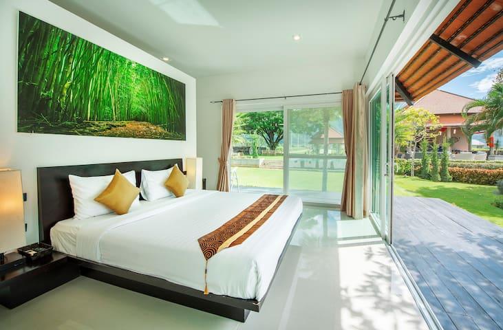 Luxury villa with great view of Khaoyai