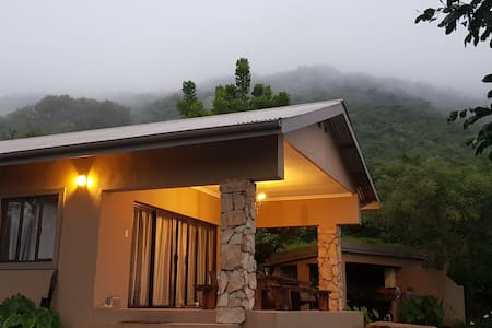 Wide Horizons Ligwalagwala Camp (Luxury Chalet)
