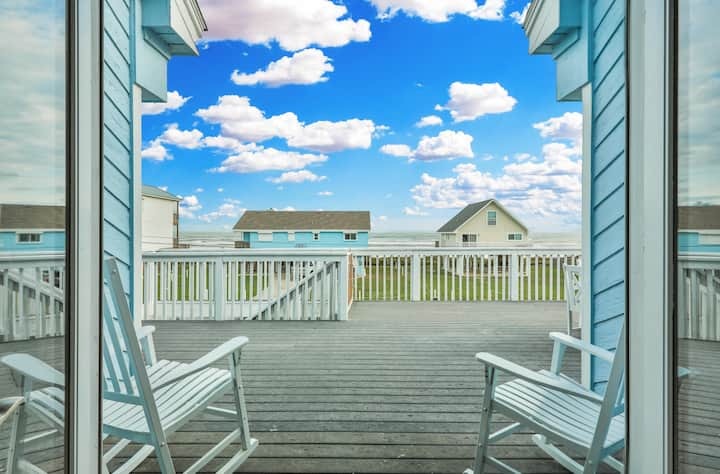 New Listing! All-New Luxury 2nd-Row Beach House