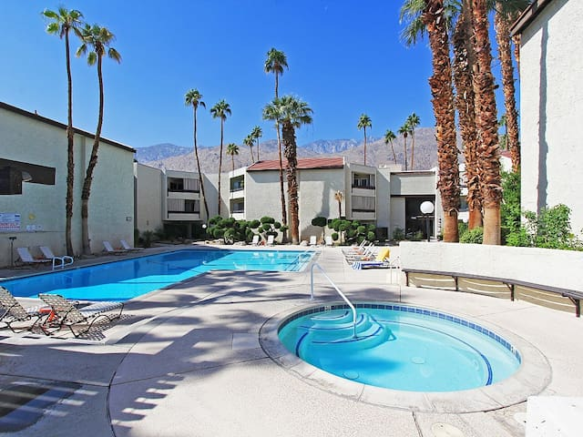 Perfect Rental For Your Holiday Vacation In Palm Springs!