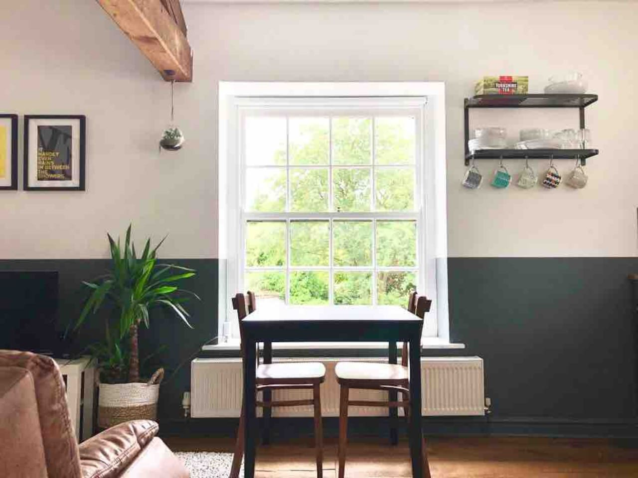 Stable Top is a one bedroom apartment located at first floor level, converted from a detached historic stable building. Close to the centre of the vibrant market town of Settle, it is perfect for a couple looking to explore the Yorkshire Dales.