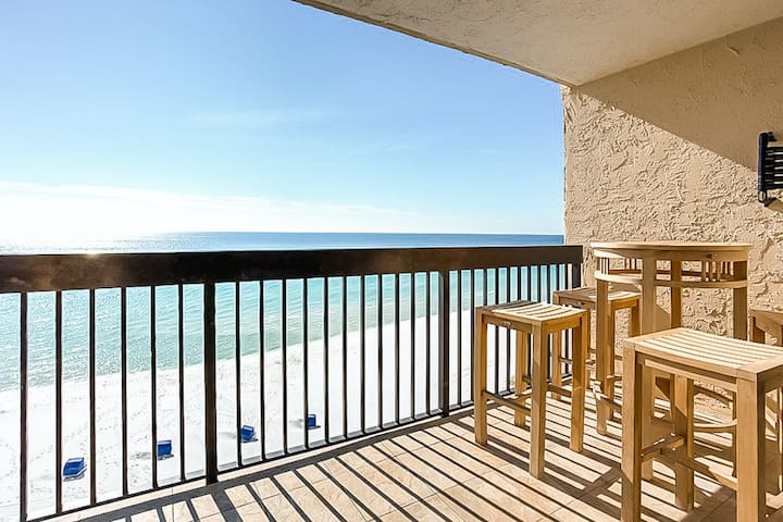 New listing! Bright condo with gulf views, shared pool and beach access!