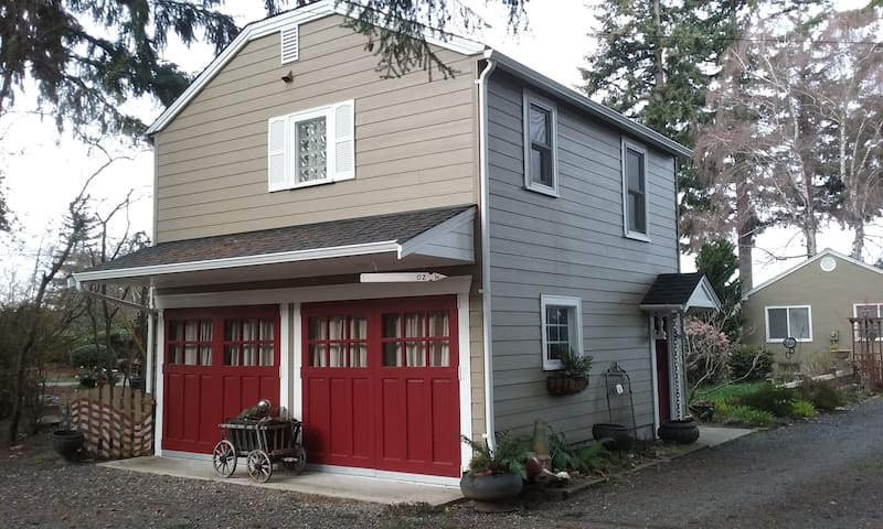 Cute Studio with Beach Access - Bremerton - Apartament