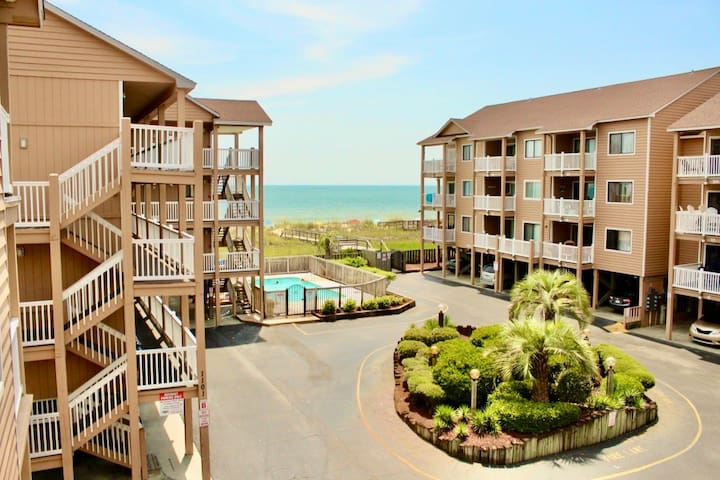 Immaculate Condo At Sandpebbles