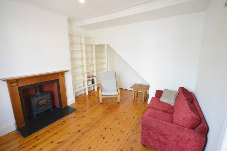 2 Bed Home - Free parking - Gloucester Road
