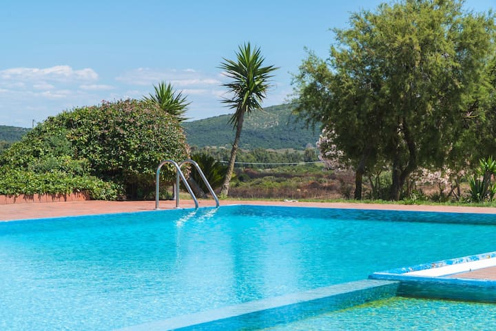 Country House Mille Colori with Private Swimming Pool, Wi-Fi & Air Conditioning; Parking Available, Pets Allowed