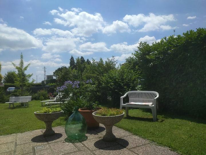 Casa di Anna, cozy flat whit garden near Treviso