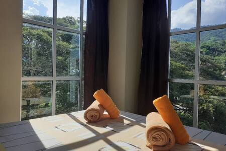 SH213 (Queen Bed with View) - 2 persons
