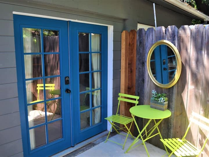 Cozy Wine Country Studio. Minutes to downtown