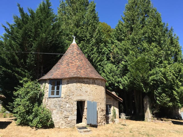 Charming bijou holiday home. - Saint-Mathieu - กระท่อม