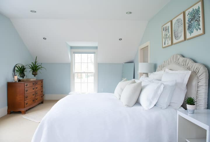 Three Roses Guest Suite, perfect Newport location