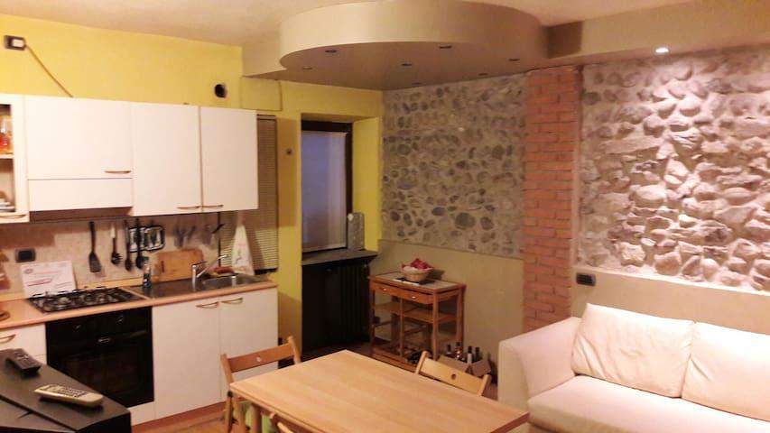 Bilocale ristrutturato finemente - Castelletto sopra Ticino, Piemonte, IT - Flat