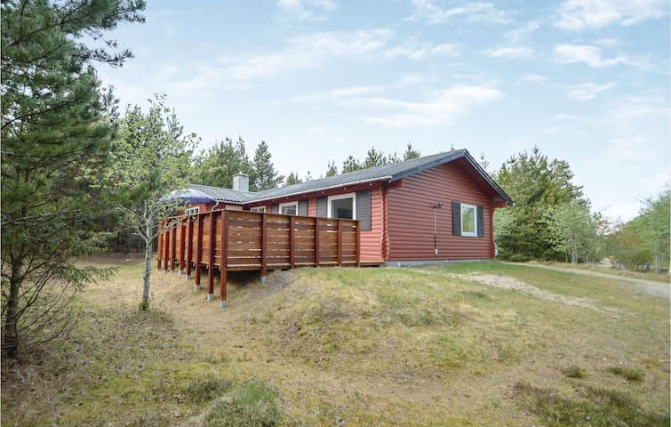 Holiday cottage with 3 bedrooms on 93m² in Rømø