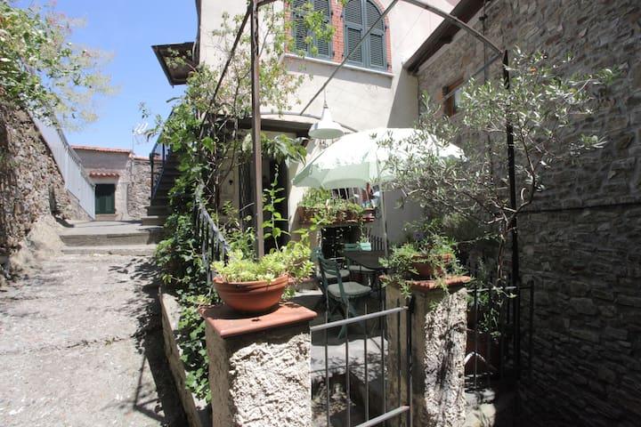 Trebiano, medieval village - Trebiano Magra