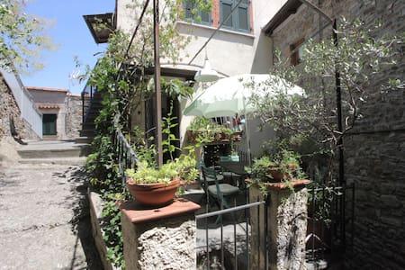 Trebiano, medieval village - Trebiano Magra - Huis