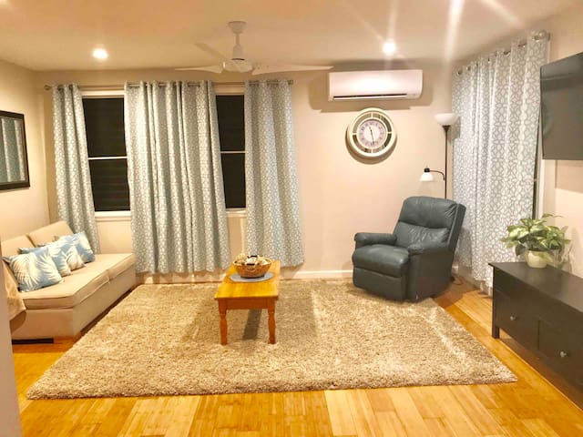 Ku'us Guesthouse with A/C