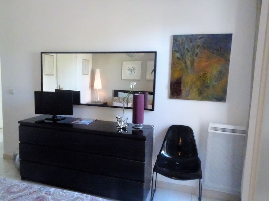 chambre double condominiums for rent in salon de provence provence alpes c te d 39 azur france. Black Bedroom Furniture Sets. Home Design Ideas