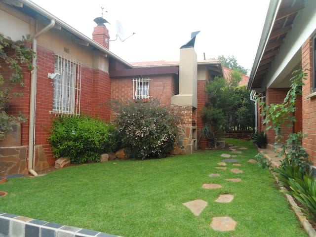 The Golden Oldie - Johannesburg - House