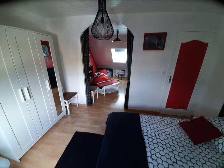 Chambre à louer pour 2 à 3 personnes à St Jacques.