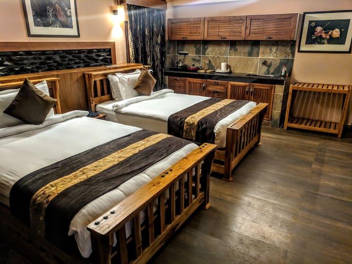 Takling La pass Deluxe Twin bedroom & kitchenette