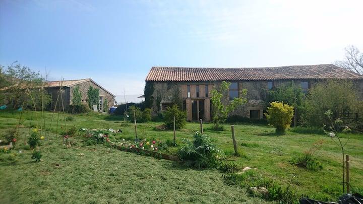 Charming farmhouse in private park near Poitiers