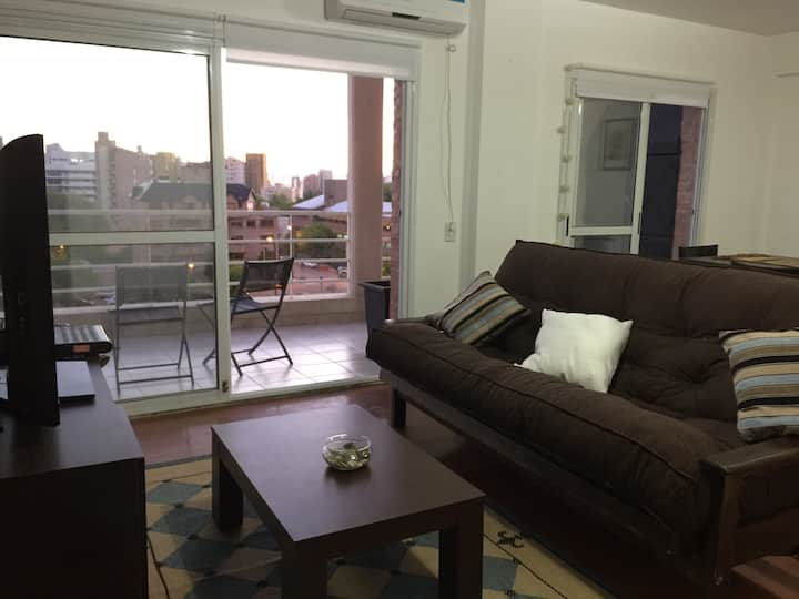 Los Olivos Suite, apartment w/own garage. Max-7pax