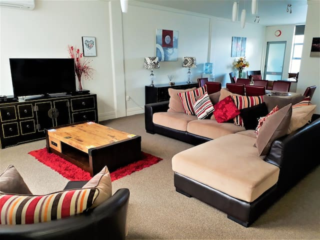 City Focus Apartment #NO CLEANING FEE#