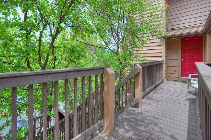 Treetop Retreat at Ferringway Durango