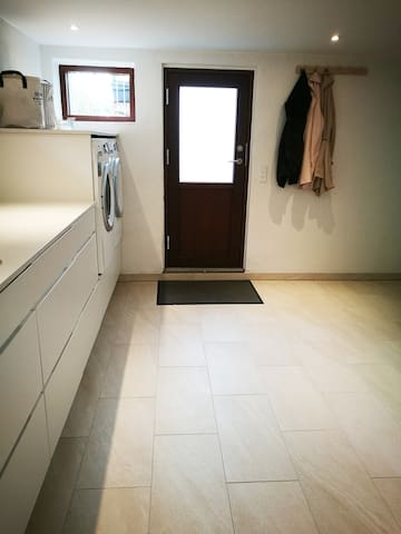Entrance in laundry room