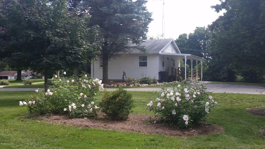 Eau Claire little farmhouse