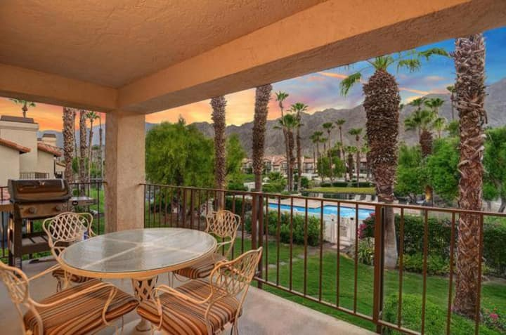 PGA West Villa - Sunset views of mtn's lake & pool