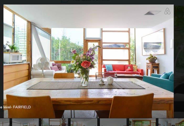 Architect designed home w lovely court yard garden