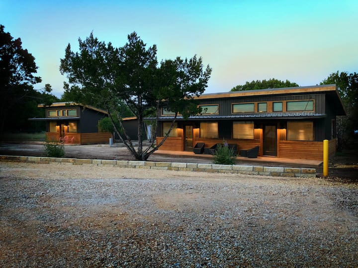 Green Acres Cottages - Wimberley Suite