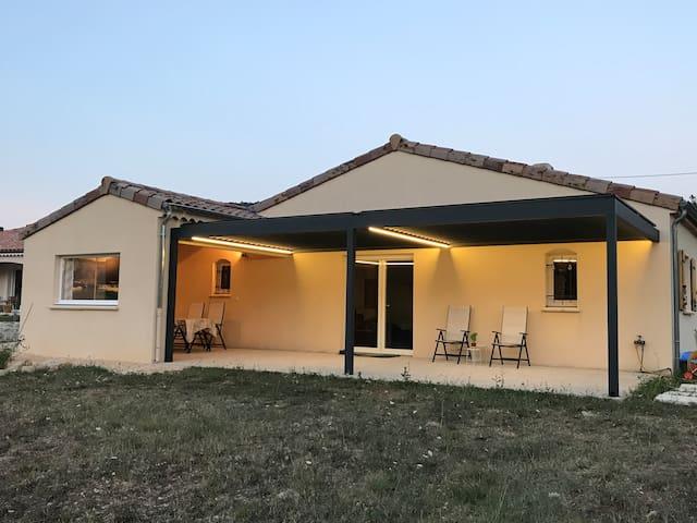 maison récente pour 6 pers  terrain