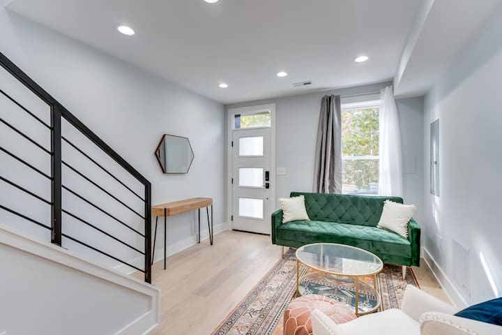 Charming Renovated Capital Hill Row Home