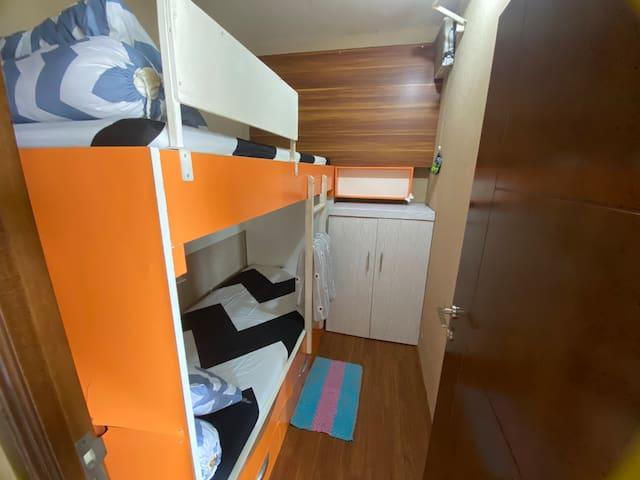 2nd bedroom (bunk bed)