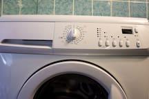 Machine lavante-sechante.