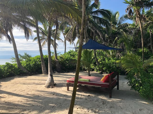 Tulum  designed Villa  sitting on the beach !