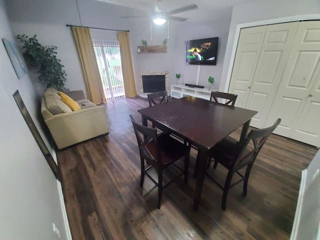 Longterm stay heavily discounted. Relaxing Loft