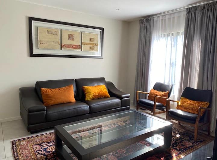 Rivonia Home Away From Home with a private garden