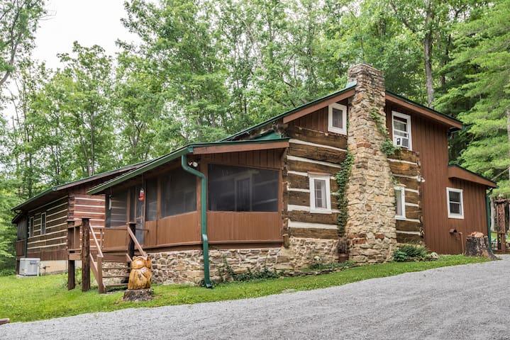 Tween Waters Trails Log Cabin