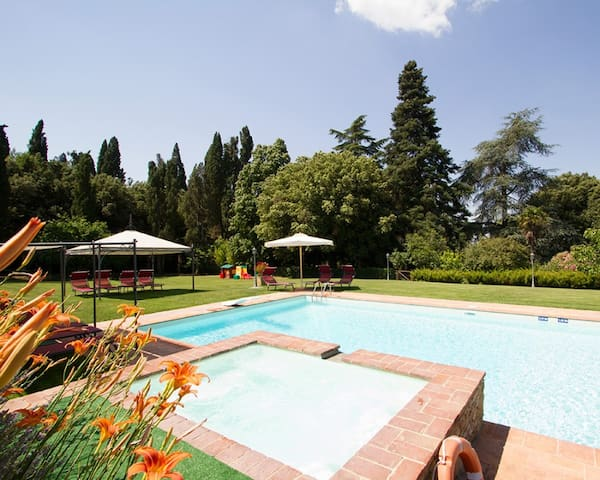 I Girasoli - Villa Il Trebbio