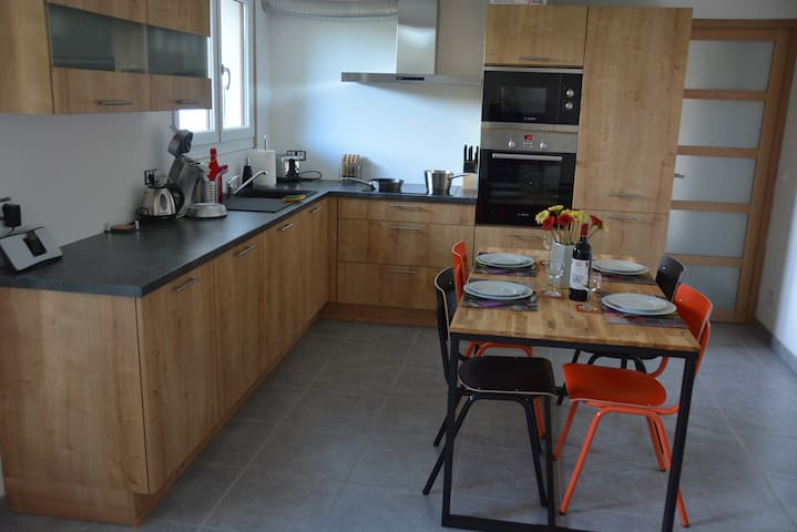 F3 familial 4 personnes - jardin-terrasse-parking - Thollon-les-Mémises - Appartement