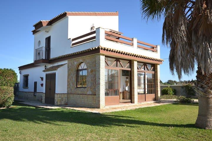 CASA EN CONIL DE LA FRONTERA - Conil de la Frontera - บ้าน