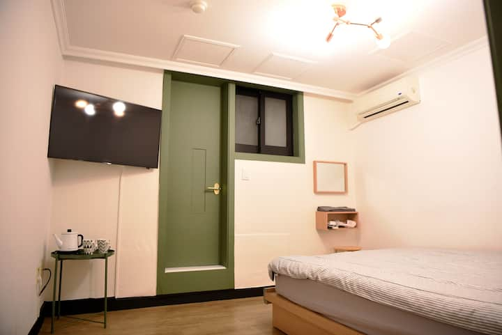 504B#3 mins to Myeongdong Stn.#Cozy&Clean #double
